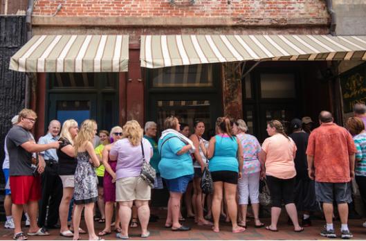 Paula Deen fans protesting Food Network